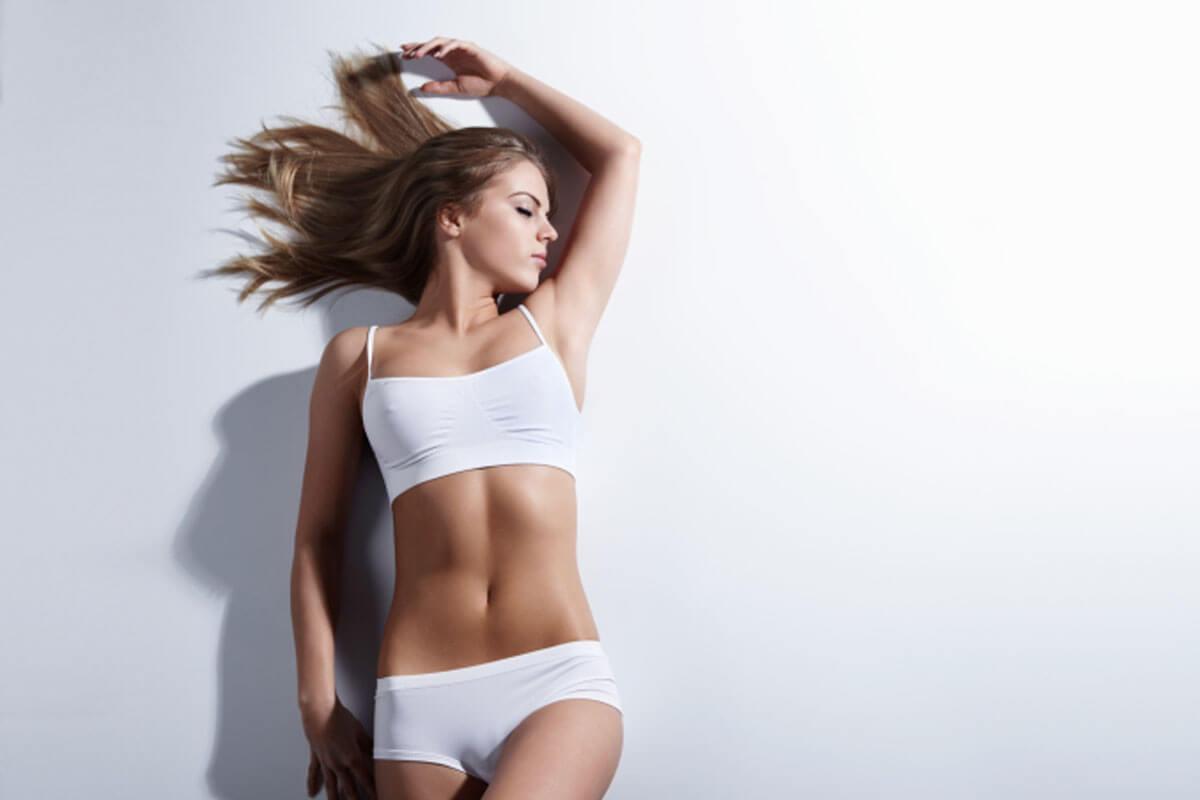aumento de pecho más abdominoplastia